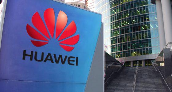 Google приостановила сотрудничество с Huawei,  ограничив доступ к  Android и Google Play