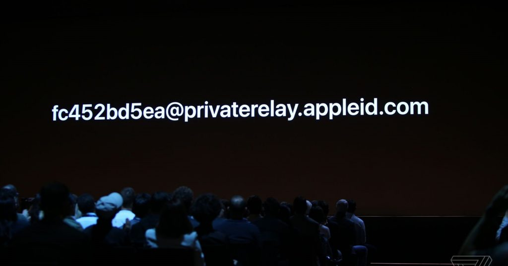 apple sign in email